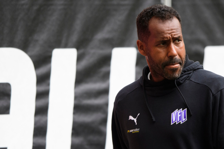 Der neue HSV-Trainer Daniel Thioune (45) plant den Kader für die kommende Saison. (Archivbild)