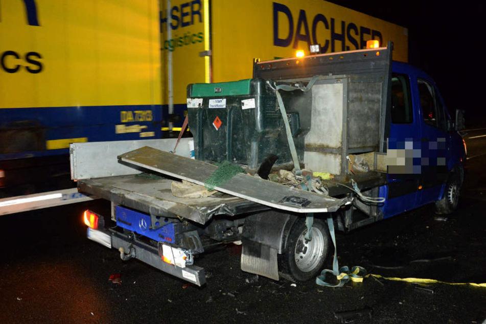 Ein Transporter war mit Reifenpanne liegengeblieben.