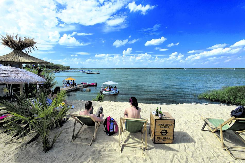 Am Geierswalder See kommt ein wenig Karibik-Feeling auf.