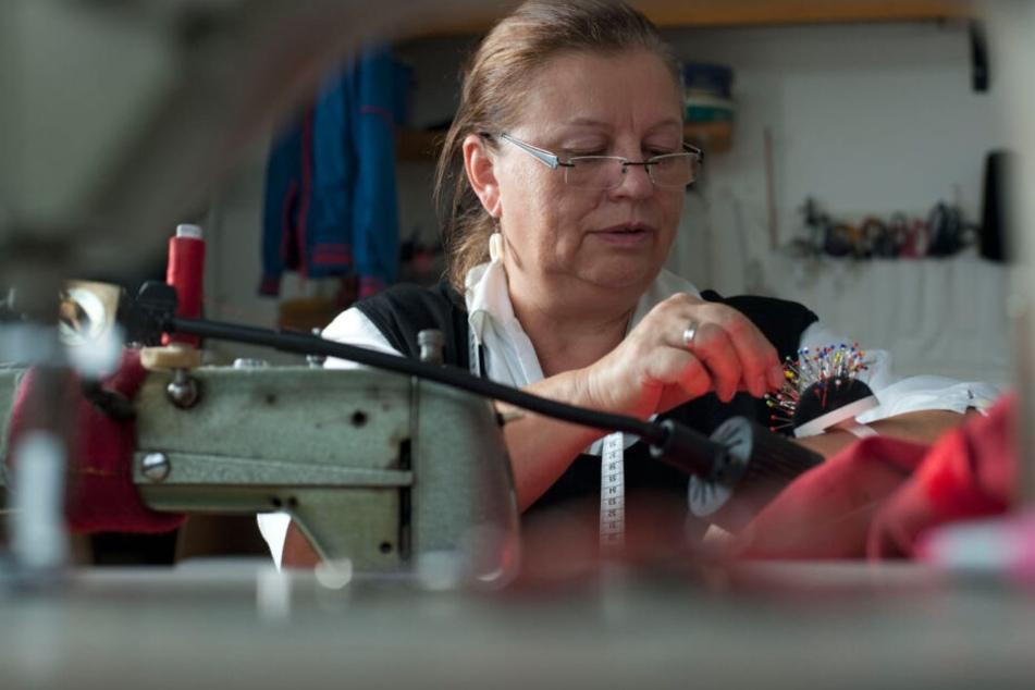 Undine Rösner-Ehrlich (65) nähte das aufwendige Gewand in jahrelanger Arbeit.
