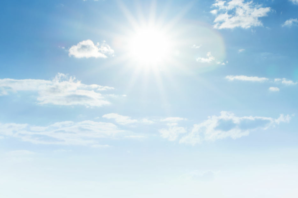Schön für uns, schlecht fürs Smartphone: Die Temperaturen kratzen am Freitag an der 30 Grad-Grenze.