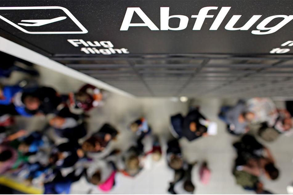 Die Airports Leipzig/Halle und Dresden freuen sich über gestiegene Passagierzahlen in den ersten neun Monaten dieses Jahres.