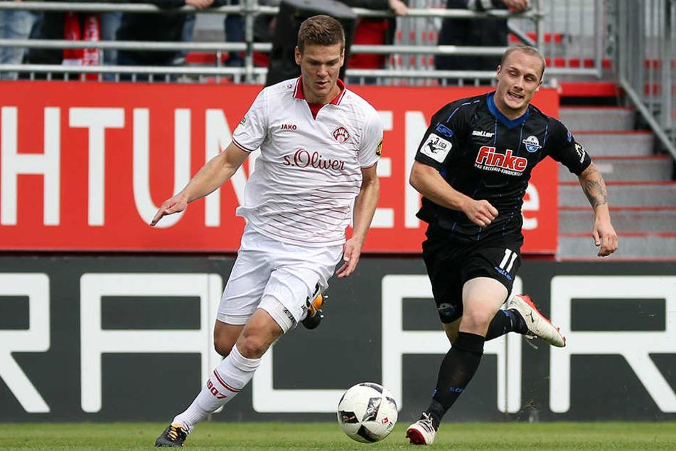 Sven Michel (re.) schoß die 1:0-Führung für die Paderborner.