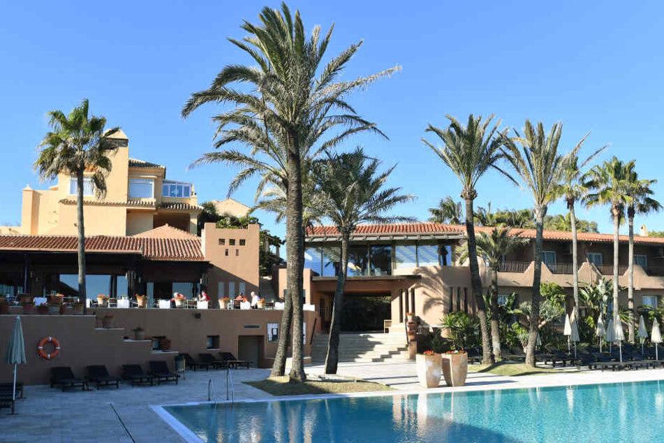 Nobel, nobel! Die Dynamo-Kicker logieren im Vier-Sterne-Haus Guadalmina Spa & Golf Resort. Das liegt direkt am Mittelmeer und ist umgeben von Golfplätzen.
