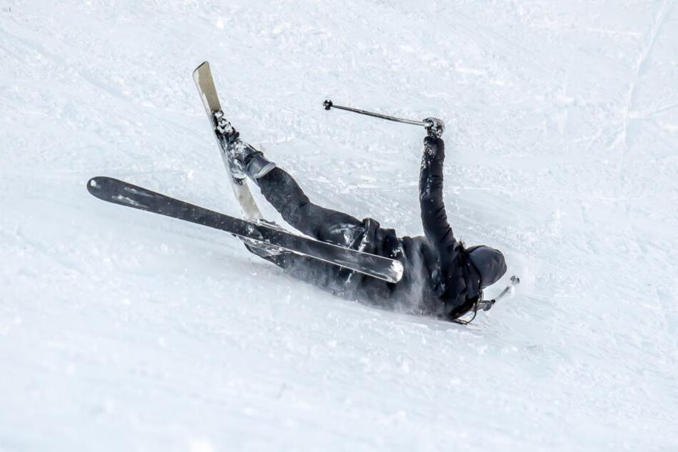 Drei Skifahrer wurden am Wochenende im Erzgebirge verletzt. (Symbolbild)