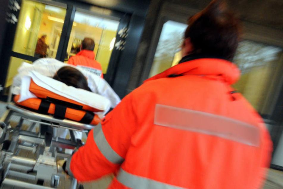 Das verletzte Kind kam mit dem Rettungswagen in eine Klinik. (Symbolbild)