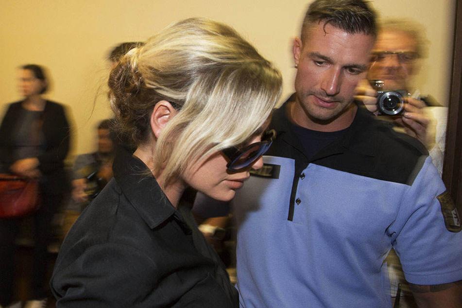 Das Model Gina Lisa Lohfink (30) vor knapp 6 Monaten auf dem Weg ins Gericht.