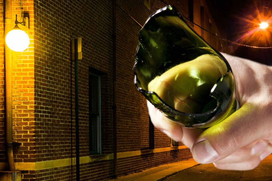 Mit abgebrochenen Bierflaschen zugestochen: Die Polizei fahndet