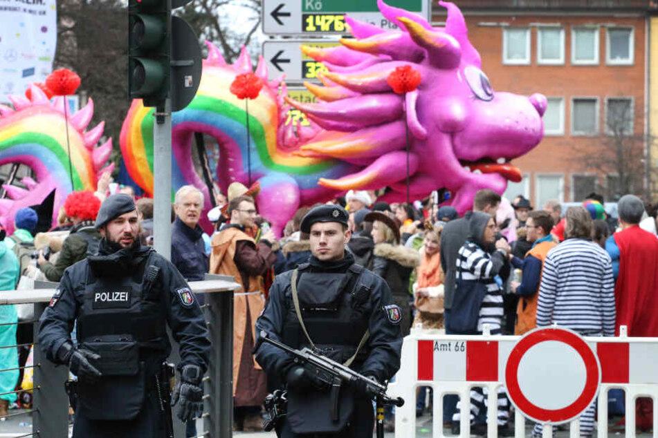 Man werde das Sicherheitskonzept gegebenenfalls anpassen, sagte ein Stadt-Sprecher in Düsseldorf.