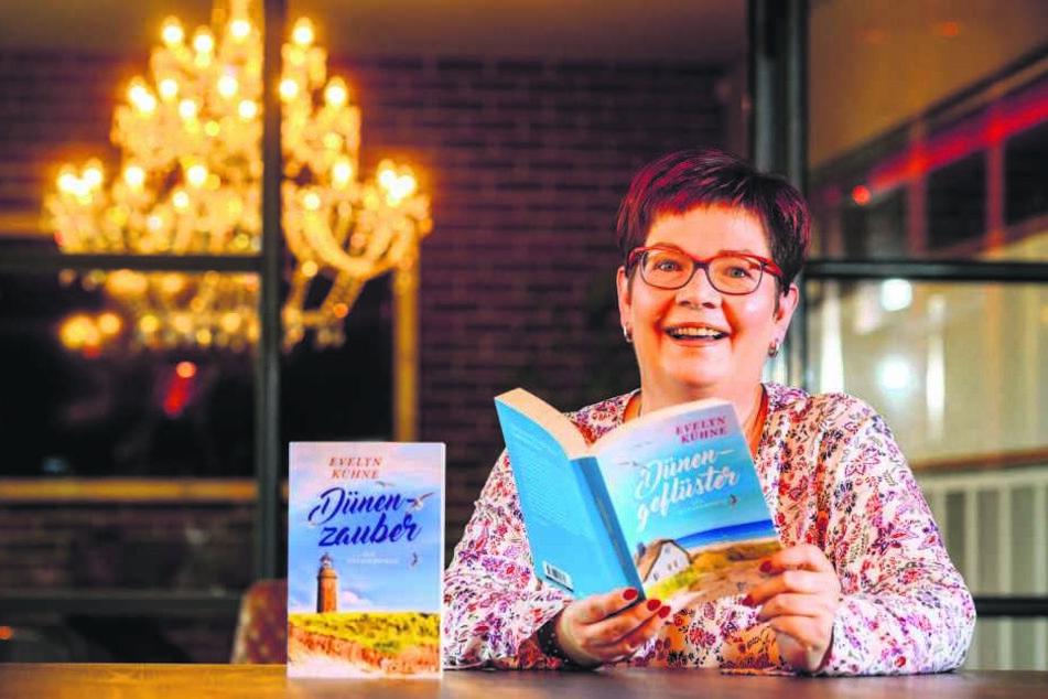 Evelyn Kühne (48) freut sich über den durchschlagenden Erfolg ihrer Liebesgeschichten aus Prerow.