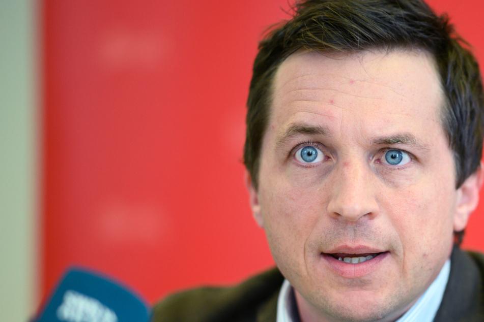 SPD-Politiker Binder fordert Ende der laufenden Bundesliga-Saison