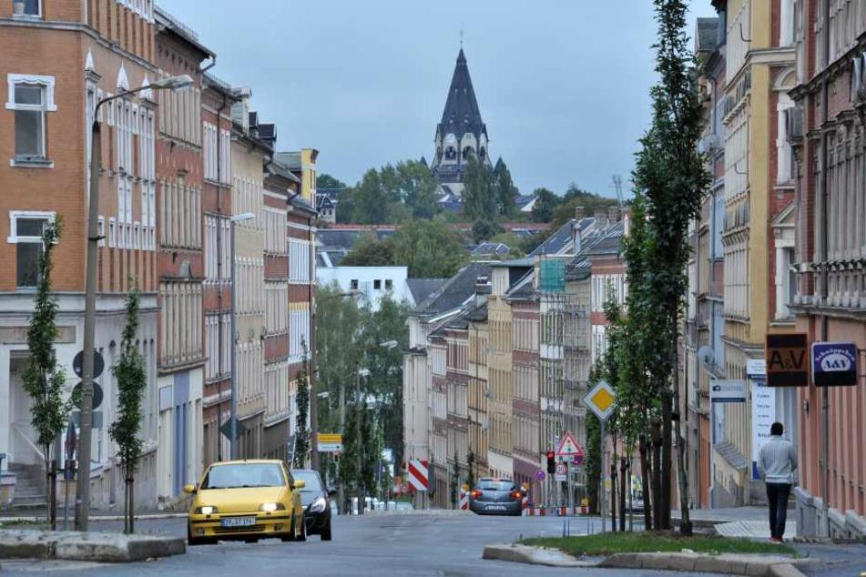 Blick in die Zietenstraße mit der Lutherkirche im Hintergrund.