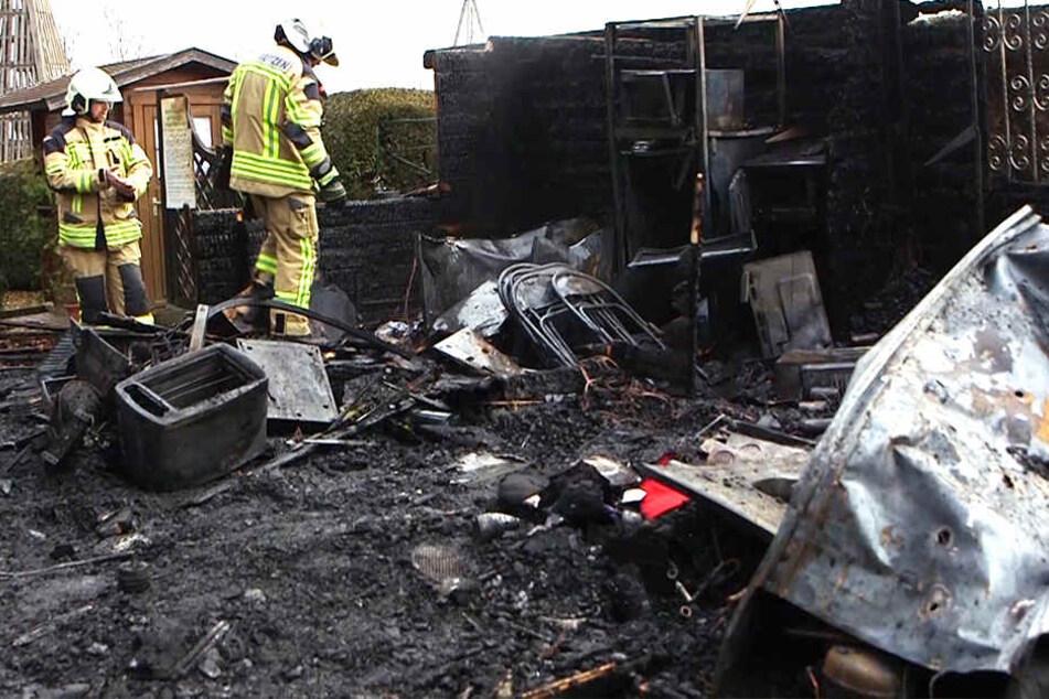 Einbrecher drangen in den Irrgarten in Kleinwelka ein und legten Feuer.