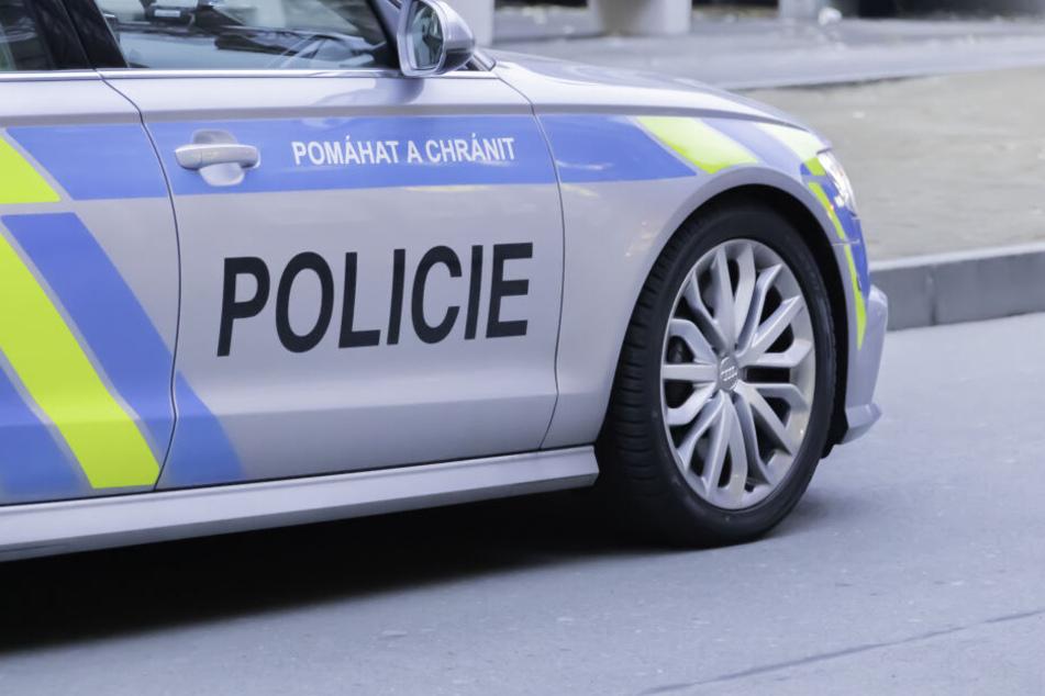 Die Polizei fand die Leiche, weil inzwischen auch die Tochter gestorben war. (Symbolbild)