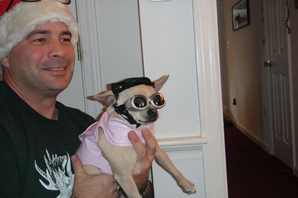 Auch ihren Vater und den kleinen Chihuahua erstach die der damals 17-jährige Teenie.