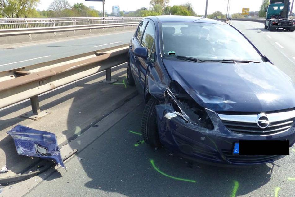 Der Opel Corsa der 77-Jährigen musste abgeschleppt werden.