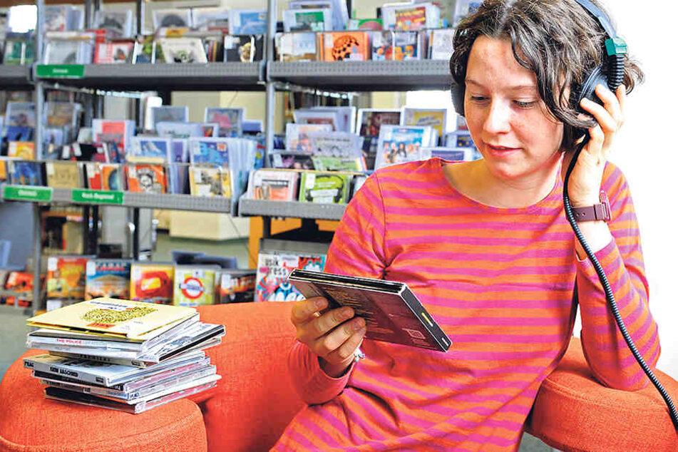 Ottilie Götsch (16) hat im Tietz die Medienbibliothek für sich entdeckt.
