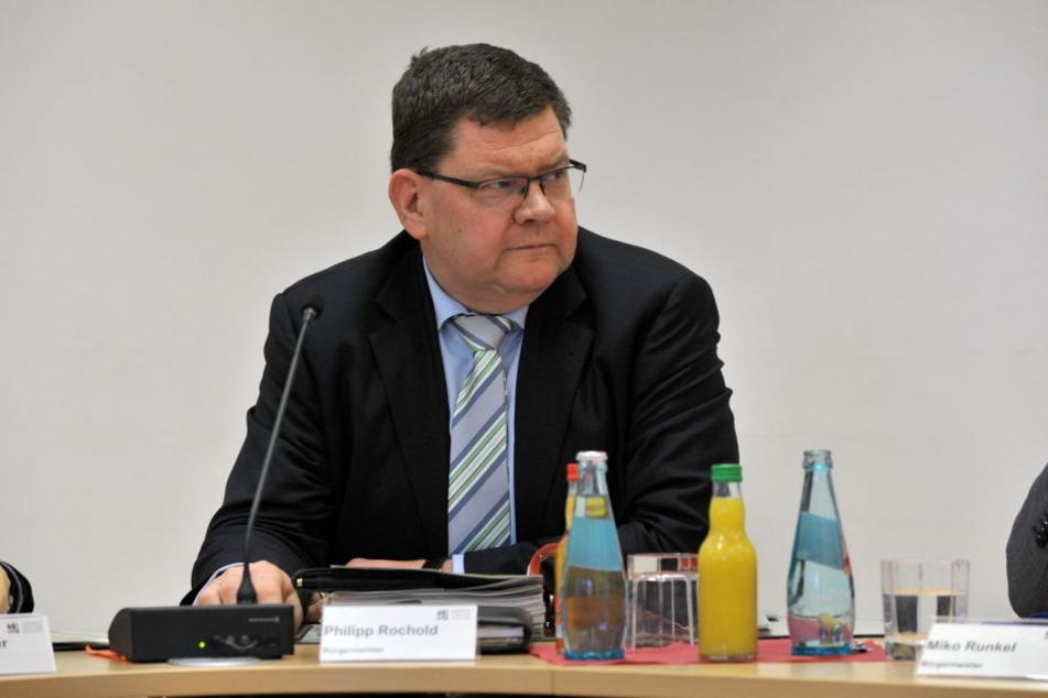 Sozialdezernent Philipp Rochold (55, parteilos) hat zwei Varianten für die Übergangszeit zwischen der Fertigstellung des Gablenzer Bades und der Schließung in Bernsdorf.
