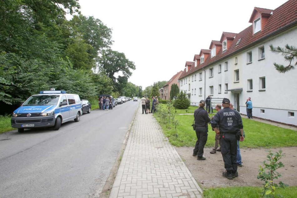 Bei dem Einsatz am Mittwoch wurden drei Männer vorläufig festgenommen.