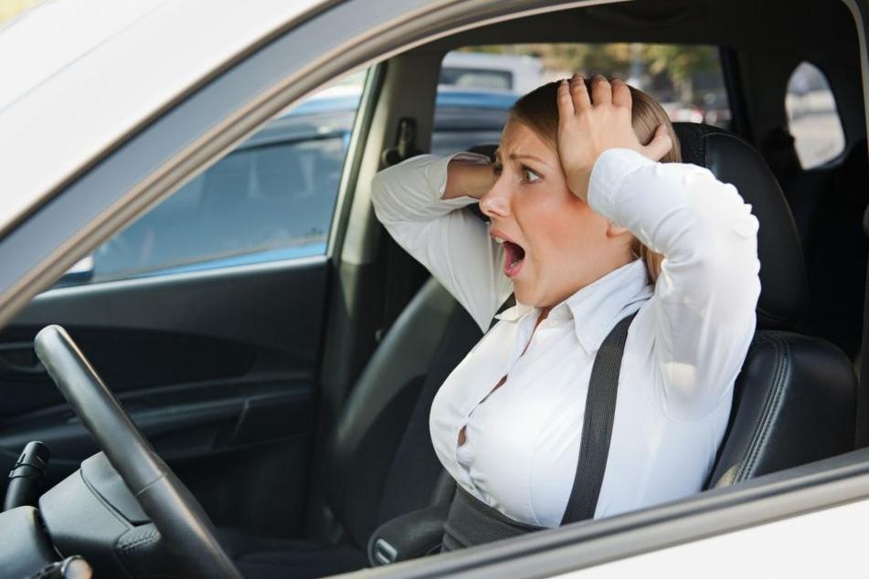 Autofahrer haben Angst vor selbstfahrenden Fahrzeugen, wollen selbst ins Lenkrad greifen können. (Symbolbild)
