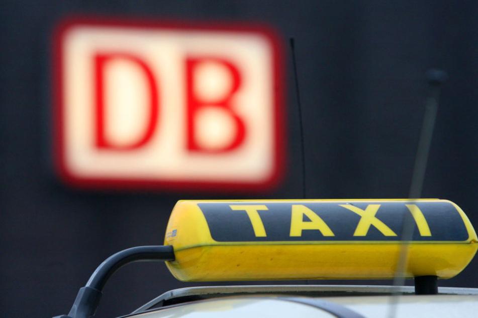 Einen Fahrer haben die Taxen dennoch. (Symbolbild)