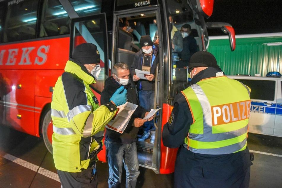 Auch Reisebusse wurden kontrolliert.