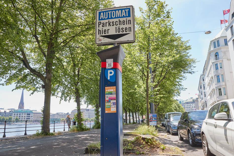 SPD, Grüne und auch die Linken verteidigten die Anhebung der Parkgebühren unter Hinweis auf die Verkehrswende und den Klimaschutz. (Symbolbild)