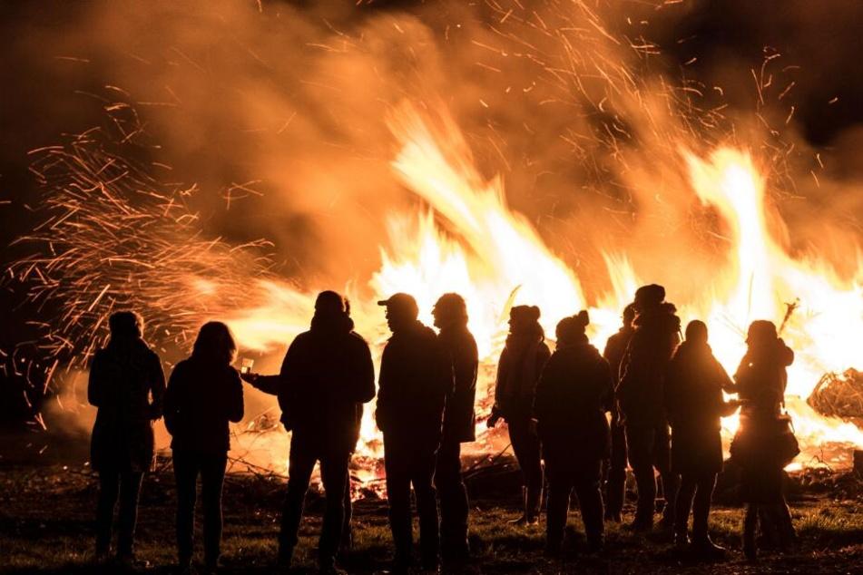24 Osterfeuer können die Bielefelder zum Fest besuchen. (Symbolbild)