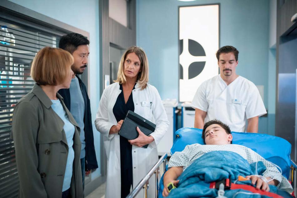 In aller Freundschaft: Junge Ärzte müssen nach schwerem Sturz Geheimnis um Pit lüften