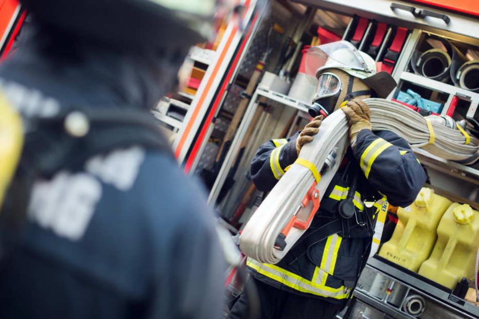 In Bayern verdienen Feuerwehrleute am besten. (Symbolbild)