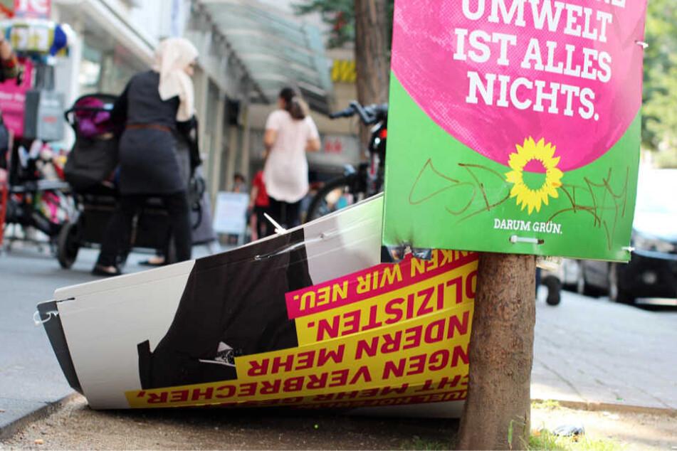 Auch alle anderen Parteien haben mit beschädigten Plakaten zu kämpfen (Archivbild).