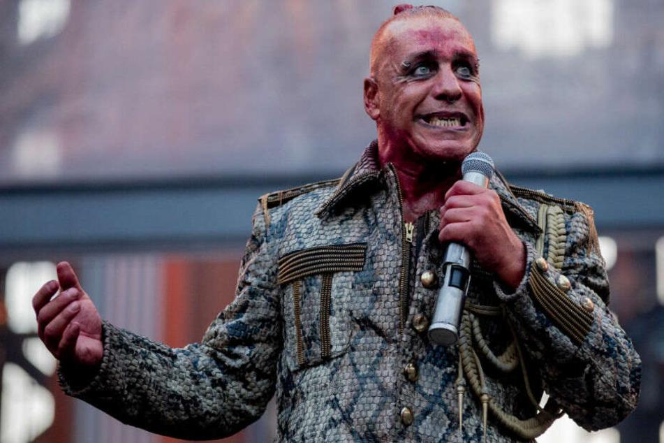 Till Lindemann beim Konzert im Berliner Olympiastadion.