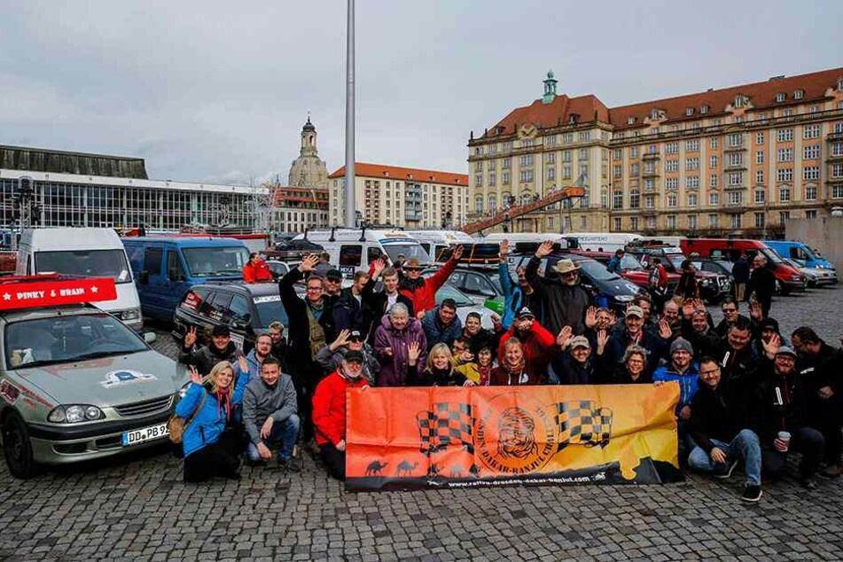 Alle 42 Teams trafen sich Freitag nochmal auf dem Dresdner Altmarkt.