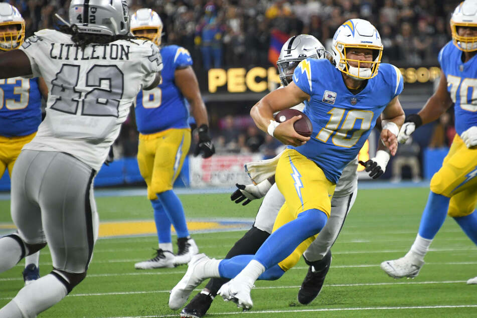 NFL: The Chargers shock Vegas at home, handing the Raiders their first loss of the season