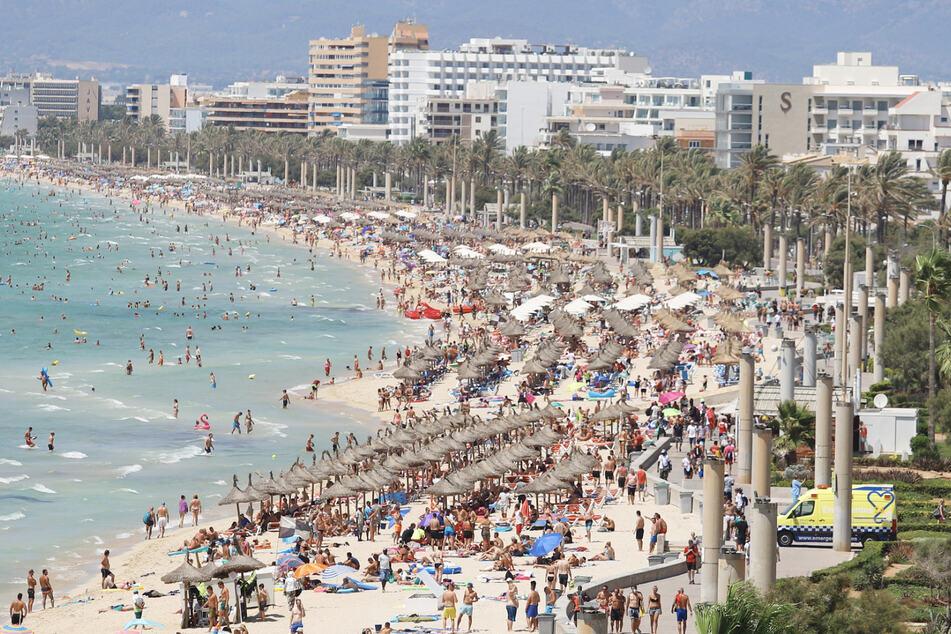 6000 Deutsche dürfen schon ab 15. Juni auf die Balearen. (Archivbild)