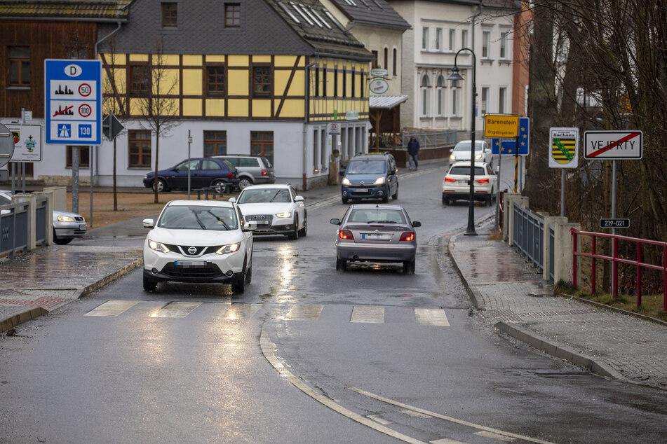 Bis Samstag war die Grenze bei Bärenstein rund um die Uhr offen, die Menschen pendelten unablässig.