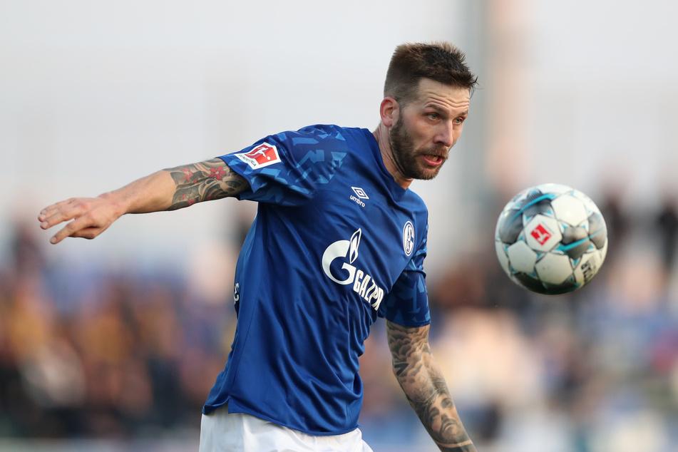 Neuzugang Guido Burgstaller (31) - hier noch im Trikot des FC Schalke 04 - steht im Kader des FC St. Pauli gegen Sandhausen.