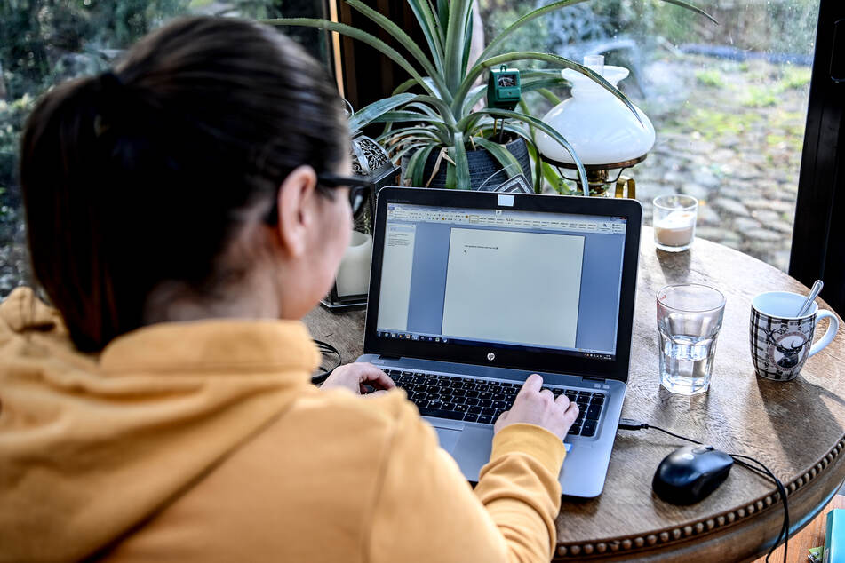 Arbeitgeber sollen für Weihnachten Betriebsferien geben oder Home Office anbieten.
