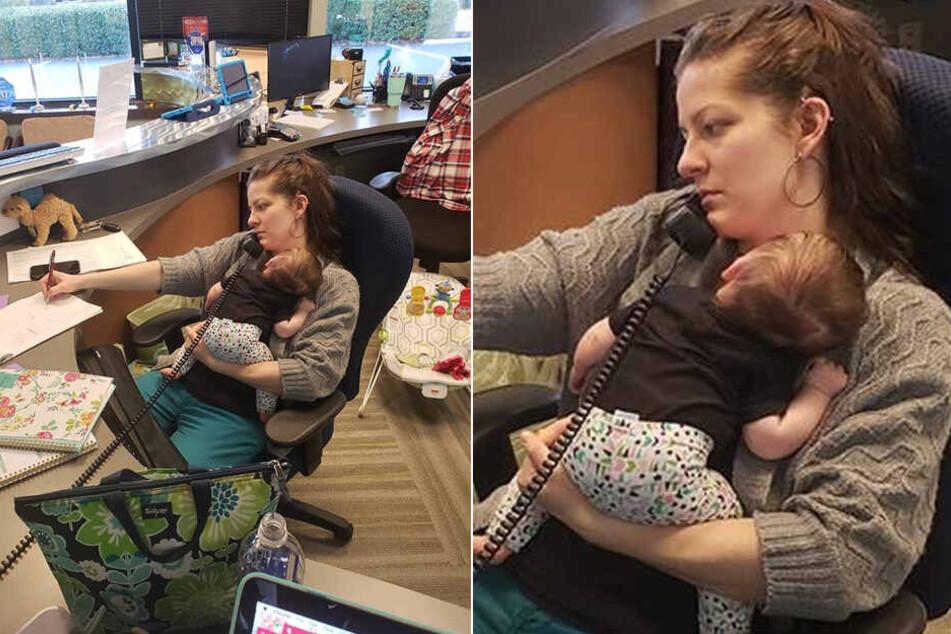 Melody Blackwell sitzt mit ihrer kleinen Tochter am Arbeitsplatz.