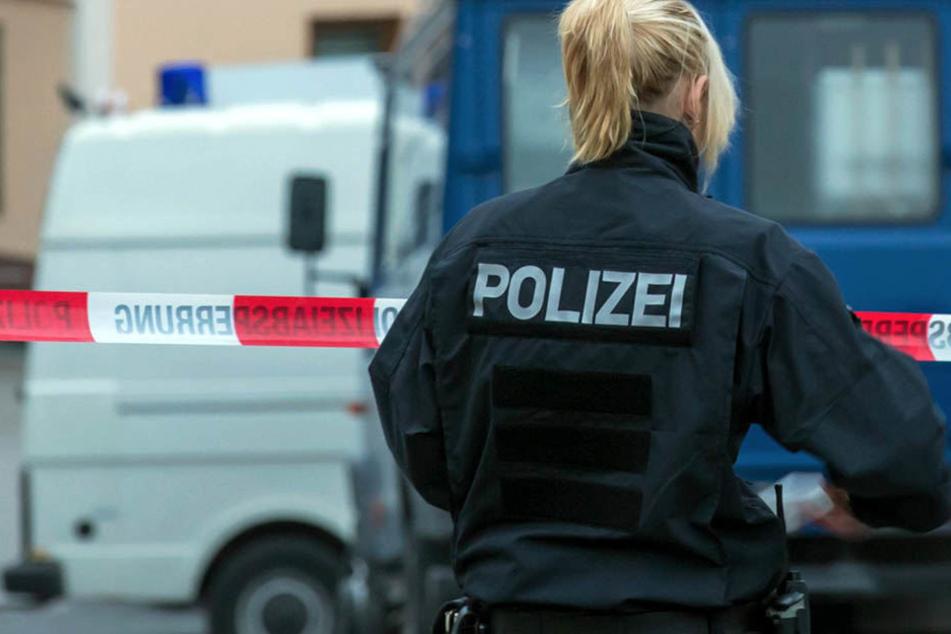 Die Leiche der 61-Jährigen wurde am Freitagabend von ihren Nachbarn gefunden. (Symbolbild)