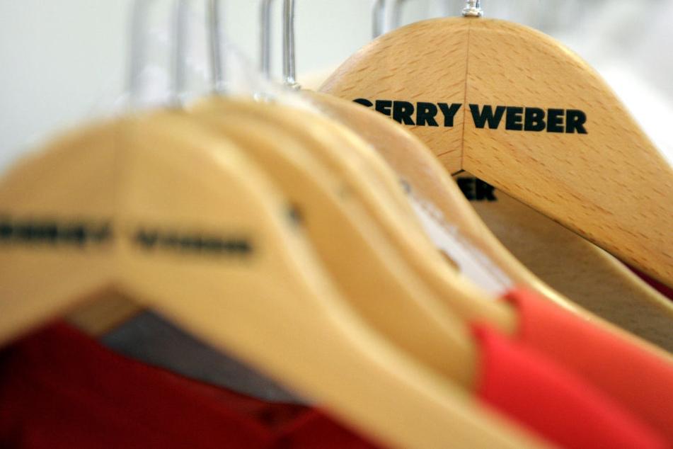 Der Modekonzern Gerry Weber nimmt große interne Veränderungen vor. (Symbolbild)