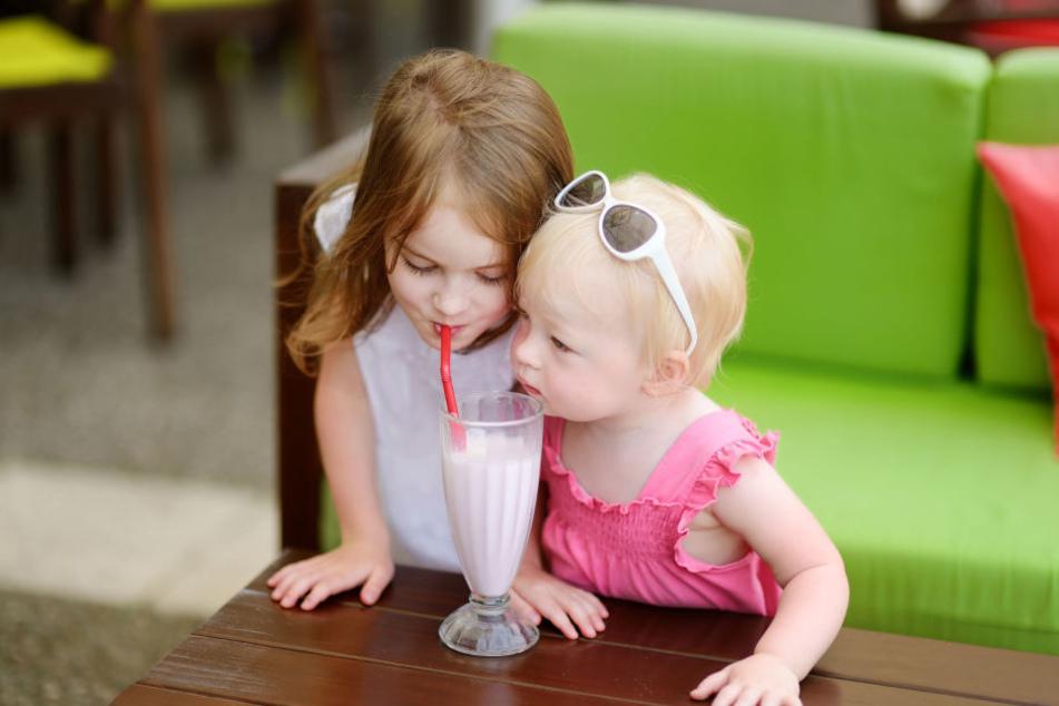 Wie sollen Kinder demnächst solche Getränke ohne Strohhalm trinken?