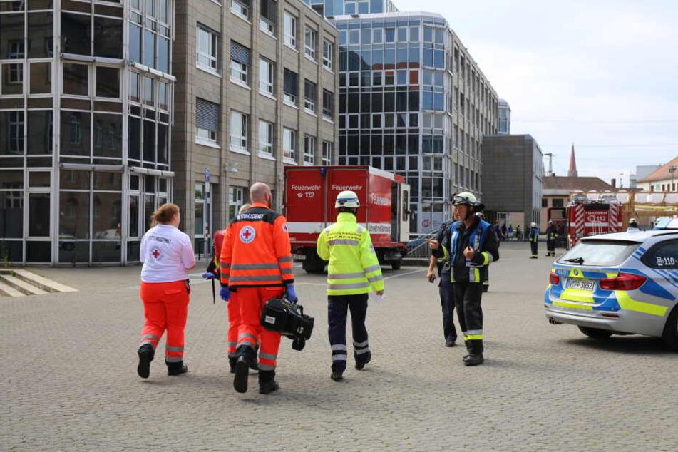 Eine giftige Flüssigkeit trat in der Nürnberger Bundesagentur für Arbeit aus.