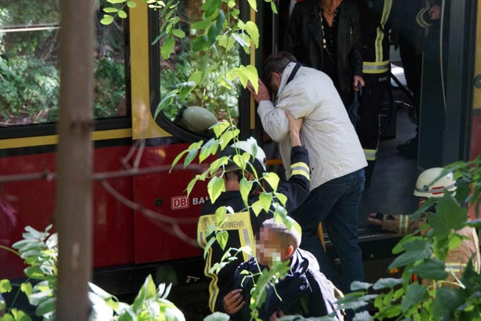 200 Personen wurden von Einsatzkräften der Feuerwehr evakuiert.