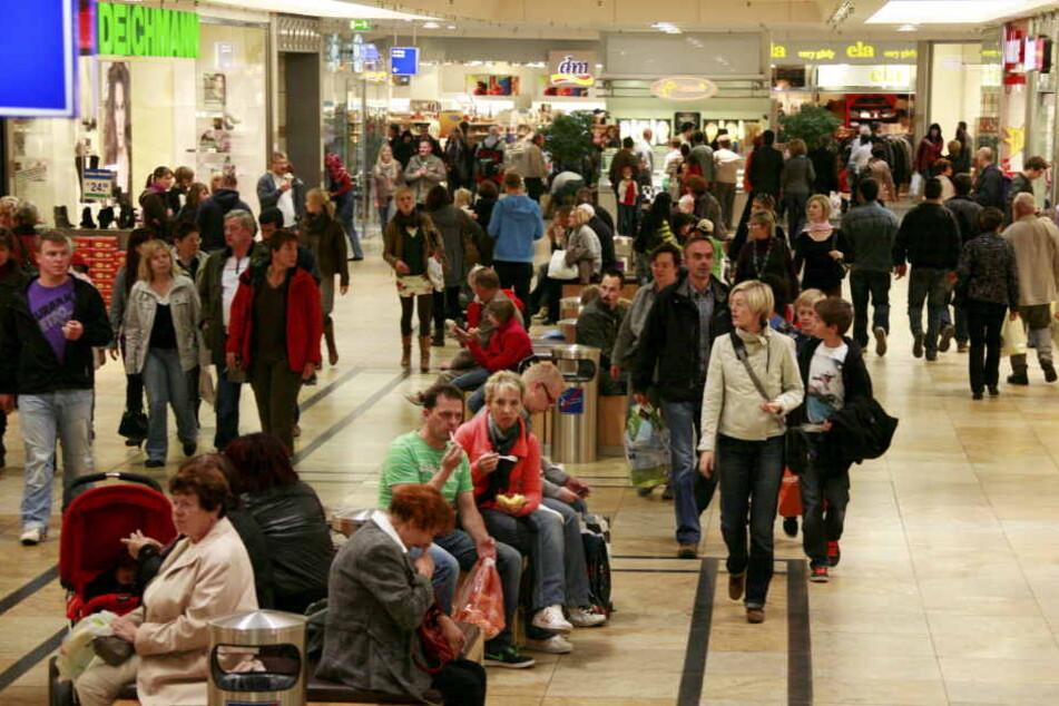 Auch in der Altmarkt Galerie sind heute die Läden offen.