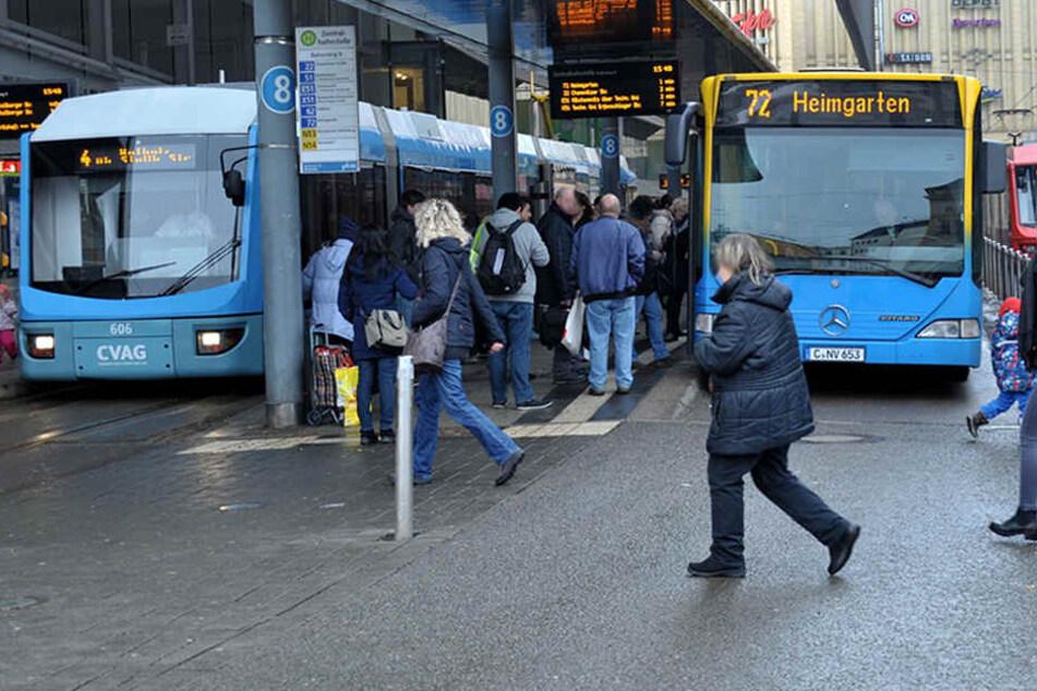 Auf einigen Bus- und Bahnlinien gibt es ab Montag Fahrplanänderungen. (Archivbild)