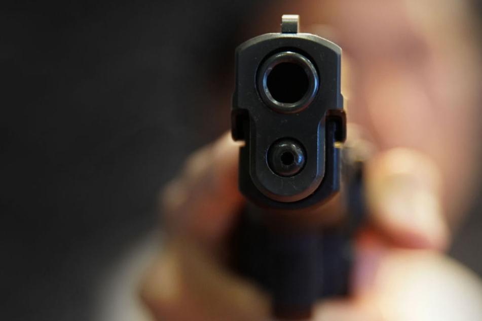 Die Pistole wurde anschließend von der Polizei sichergestellt (Symbolfoto).