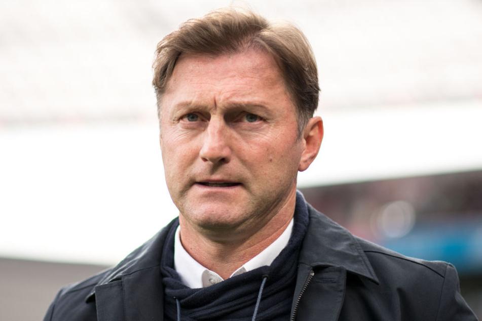 Och nö! RB Leipzigs Trainer Ralph Hasenhüttl muss gegen Werder Bremen auf bis zu fünf Spieler verzichten.