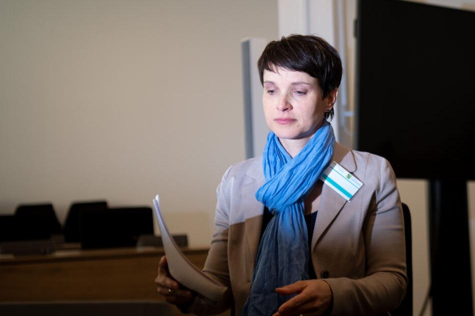 Frauke Petry (hier 2019 bei einem Gerichtsprozess in Dresden) wurde am Mittwoch vom Vorwurf der Steuerhinterziehung, Untreue und des Subventionsbetruges in Leipzig freigesprochen.