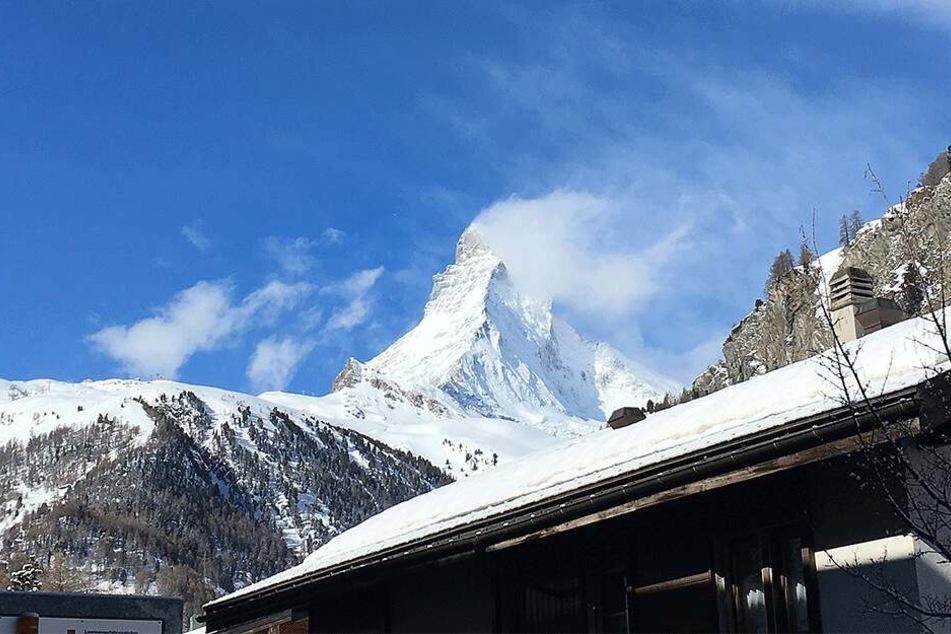 Am Matterhorn in der Schweiz sind zwei Bergsteiger abgestürzt und ums Leben gekommen.